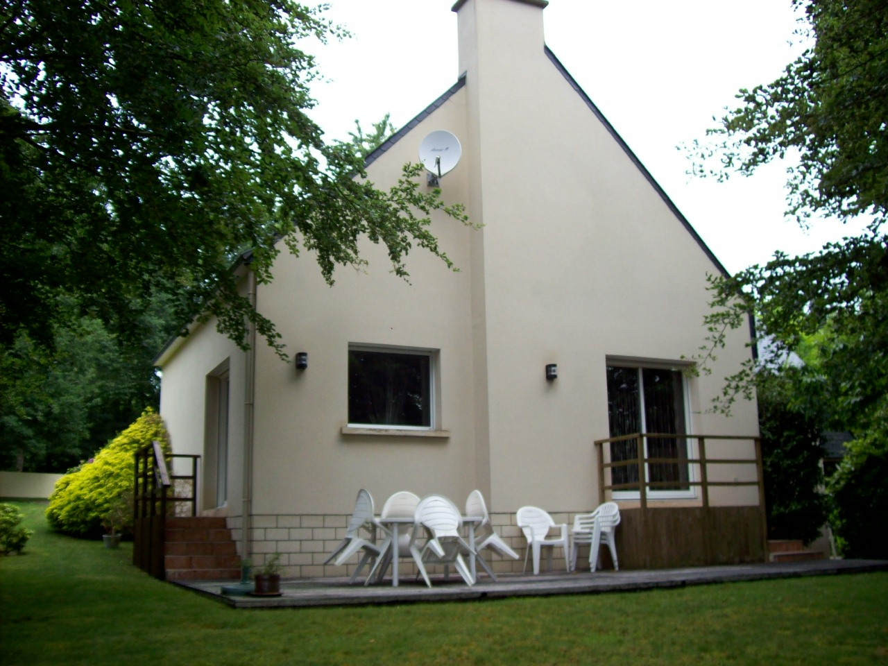 MAISON CONTEMPORAINE T6  GUIDEL
