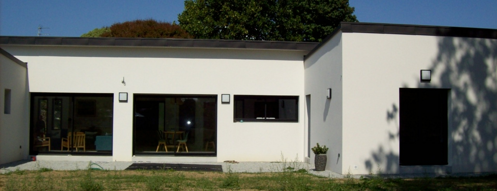 MAISON T6 CONTEMPORAINE DE PLAIN PIED GUIDEL-PLAGES.